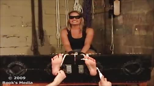RooksMediaFetish - Taryn's Feet - First Ever Tickle Torture